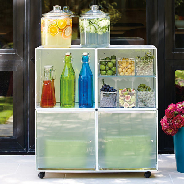 Enameled QBO Steel Cube Drink Station