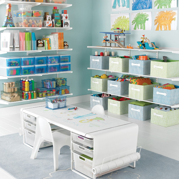 Keeping kids 39 rooms clutter free san diego professional for Shelving for kids room