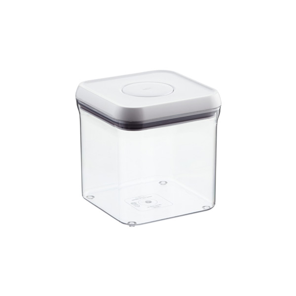 2.4 qt. Square POP Canister.