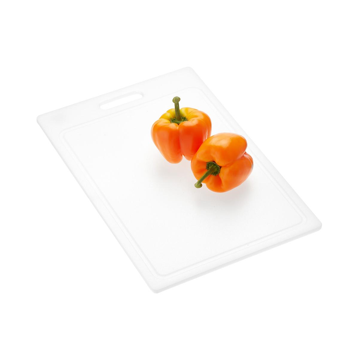 Medium Polypropylene Cutting Board