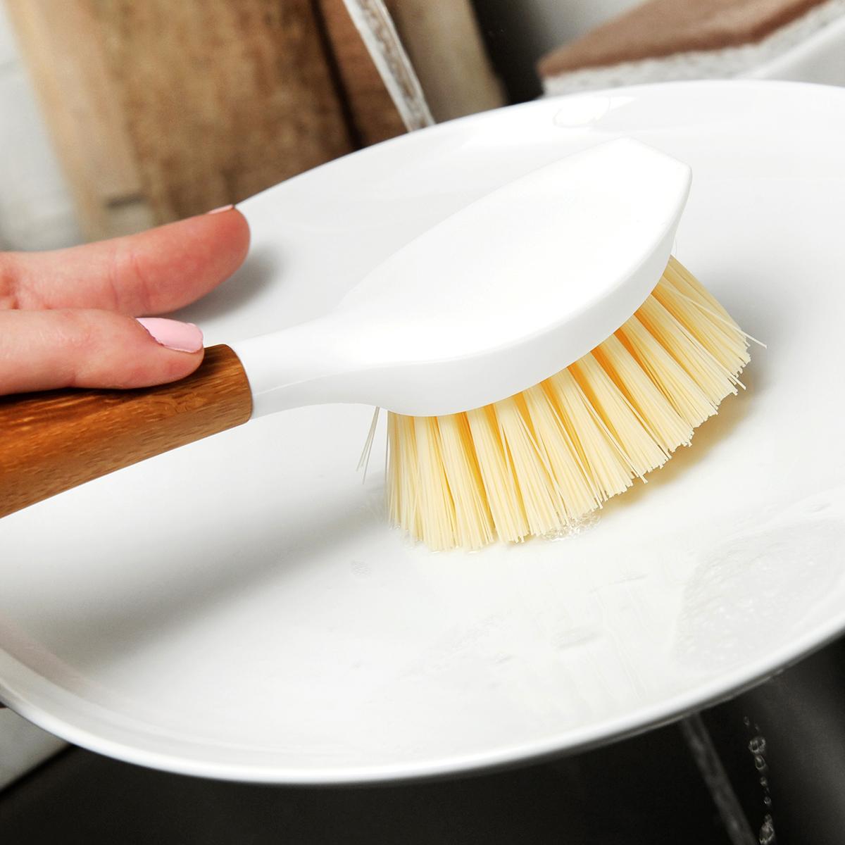 Full Circle White & Bamboo Be Good Dish Brush