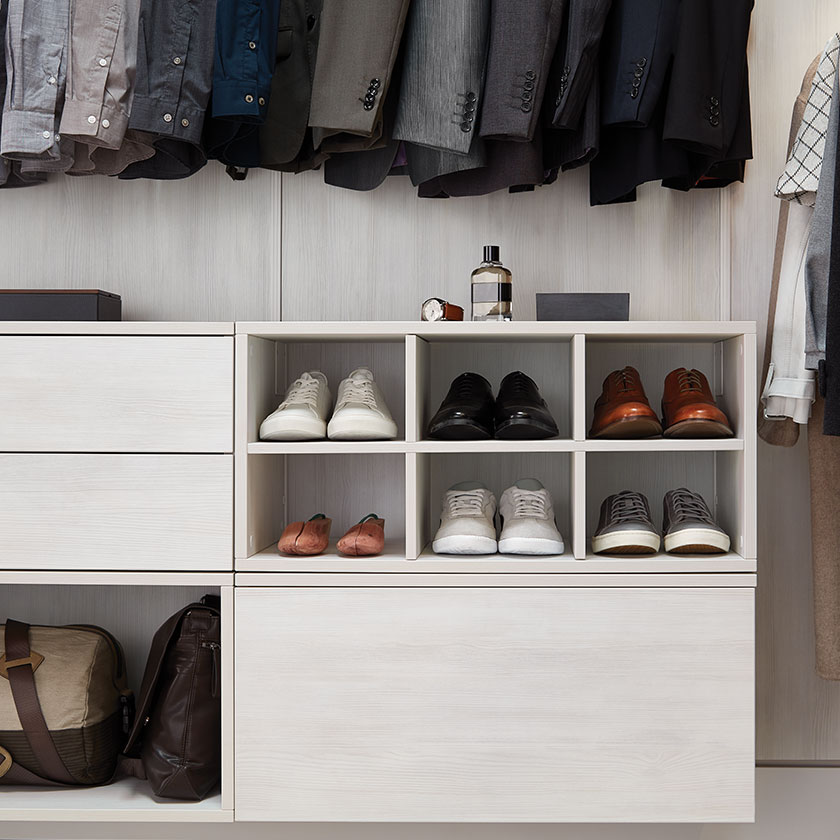 Cloud Avera Closet with Drawers, open and divided Cubes