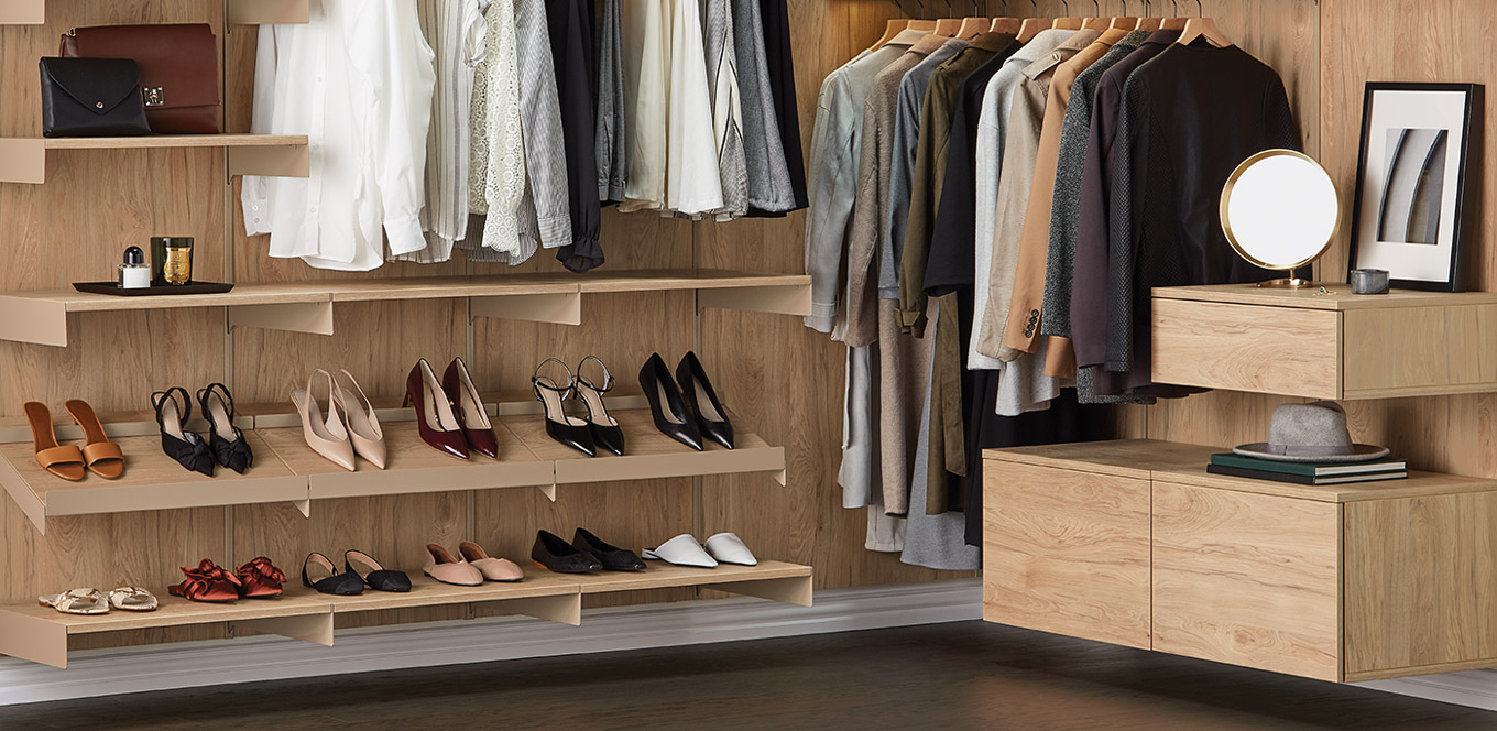 Avera Custom Closets dune walk-in closet
